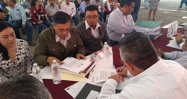 Ixcaquixtla pide recursos para construir mercado, basurero y bulevar
