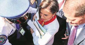 Juez ratifica prisión preventiva a Rosario Robles por riesgo de fuga