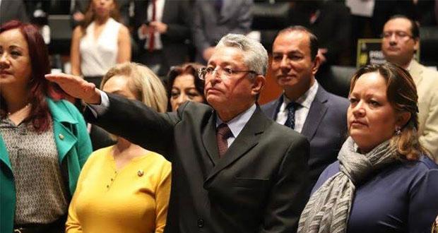 Senado designa a Vicente Melchi como nuevo presidente de la CRE