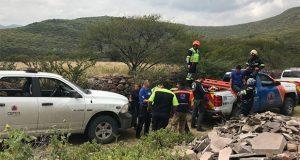 Mueren dos personas tras desplomarse su avioneta en Querétaro