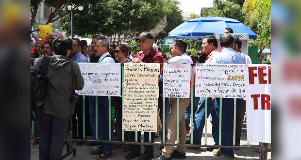 Protestan en informe de edil de Tehuacán y Comuna blinda el palacio