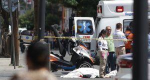 Chofer de ruta 76 atropella y mata a 2 mujeres en CH; una, de 3ª edad
