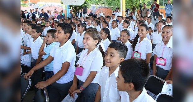 SEP da 10 mil 669 becas a alumnos de escuelas públicas en 2019-2020