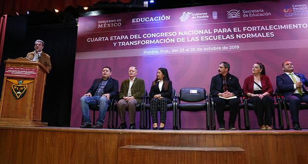 SEP acuerda con Normalistas de Puebla enviar propuestas al Congreso