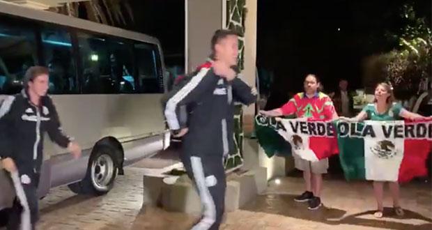 Selección Mexicana ignora a aficionados y se lleva críticas