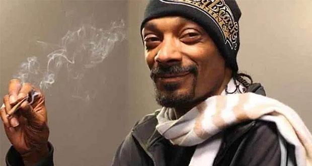 Snoop Dogg paga 50 mil dólares al año porque le armen porros