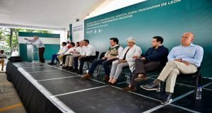 """AMLO reconoce retrasos en apoyos por """"burocracia"""", pero pide paciencia"""