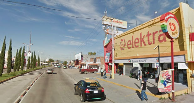 Roban 30 celulares y 5 mil pesos en asalto a Elektra en Castillotla