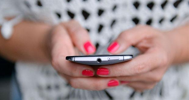 Con dependencia a celulares, reconoce 45% de padres de familia