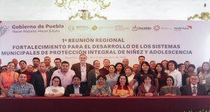 Capacitan a 40 representantes regionales del DIF
