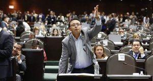 Diputado federal deja Morena por rechazar uniones gay en Puebla