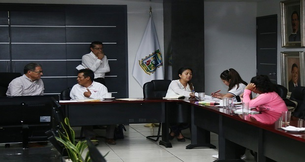 Antonio García es designado director interino de la normal de Teteles