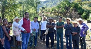 "Inician pavimentación de tramo ""El Toril"" en Huitzilan de Serdán"