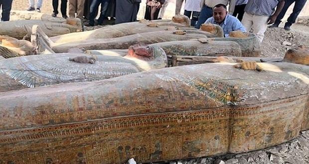 Hallan en Egipto 30 sarcófagos con momias de 3 mil años