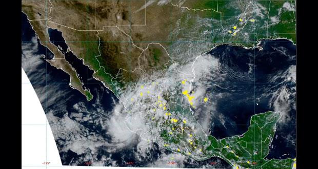 """""""Priscilla"""" toca tierra en Colima y causa lluvias en varios estados"""