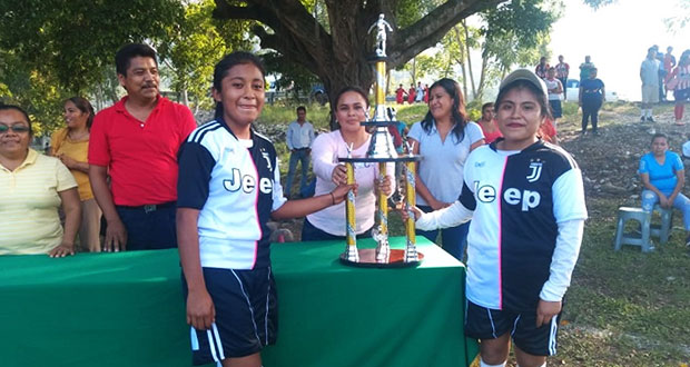 Bachilleratos de Antorcha disputan pase a justa regional de futbol