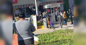 Balean a escolta de cuentahabiente en Plaza Tolín en intento asalto