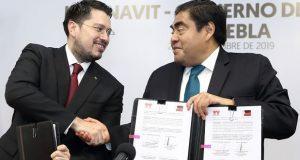 Barbosa propone absorber deuda Infonavit de gente en riesgo de perder casa