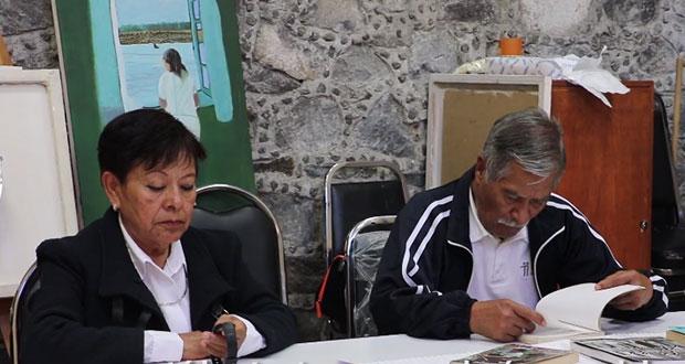 """En Casa del Abue, adultos mayores participan en """"Maratón de Lectura"""""""