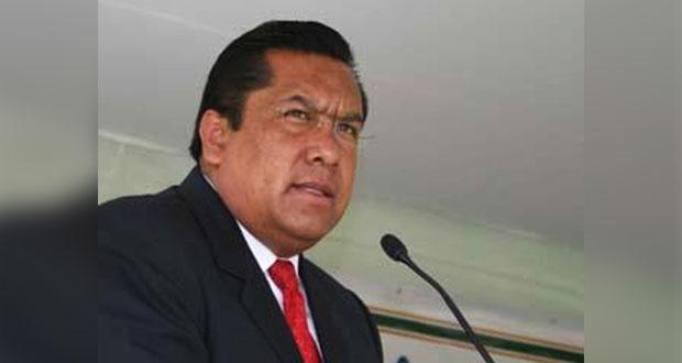 Barbosa pide a SEP federal quitar a Carmona como delegado en Puebla