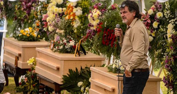 Deja México familia de tres asesinados en ataque contra los LeBarón