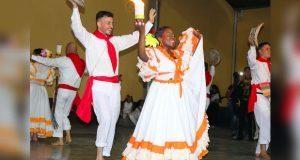 Folclor de Colombia, presente en concurso de catrinas de Tepexi