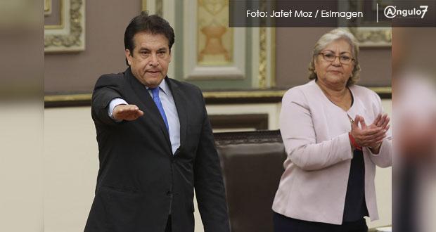 Cerezo toma protesta como presidente de la CDH Puebla; exaspirantes se amparán