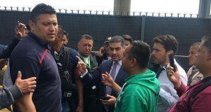 Federales retiran bloqueo de AICM tras 6 horas; los acusan de agredir