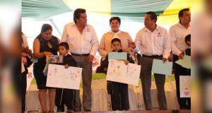 En Tiangusmanalco, Karina Pérez inaugura jornada de salud