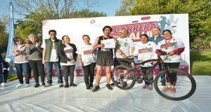 """Reúne a 2 mil competidores """"Carrera por tu salud""""; ganador, de Amozoc"""