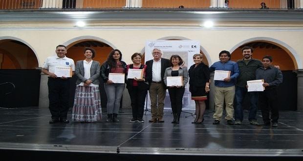 Entregan premios a ganadores del Concurso de Ofrendas