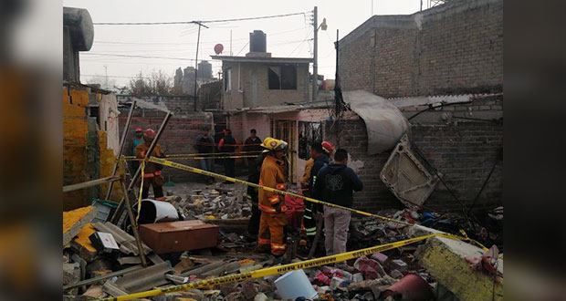 Padre e hijo menor de edad mueren al explotar polvorín en Tultepec