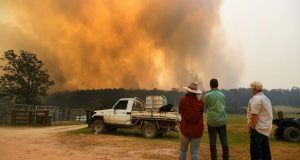Incontrolables incendios en Australia; al menos 3 personas muertas