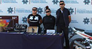 SSC detiene a 3 personas por robo a Elektra y recupera 30 celulares