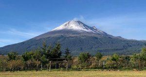 Popocatépetl registra tres explosiones y arroja un poco de ceniza