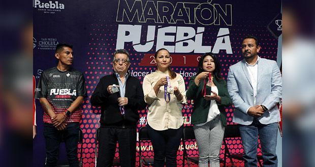 Presentan medallas conmemorativas del Maratón en Puebla 2019