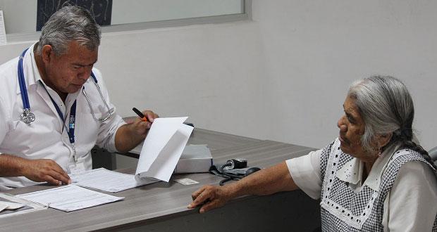 DIF de Ocoyucan apoya a adultos mayores para cirugía de cataratas
