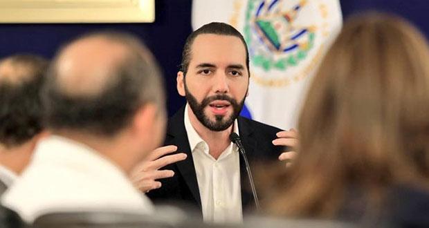 Arremete presidente de El Salvador contra Maduro en Twitter