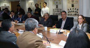 """""""La Escuela es Nuestra"""" llegará a 2,800 planteles en Mixteca y sierras: SEP"""