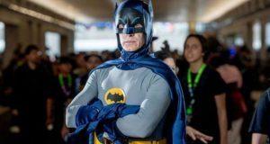 Subastarán hasta en 200 mil dólares disfraces de Batman y Robin