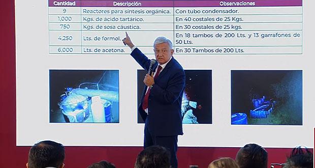 AMLO muestra narcolaboratorio asegurado en Puebla con tonelada de químicos