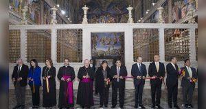 Barbosa inaugura réplica de Capilla Sixtina en Catedral