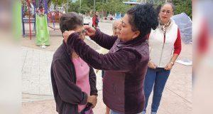 En Coxcatlán, Coyomeapan y Tehuacán, Sedif entrega apoyos