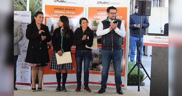 Entregan 7 aulas y equipo sanitario a dos bachilleratos de Puebla