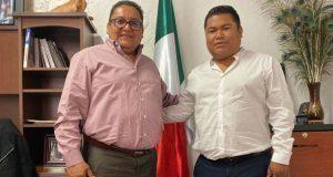 Escucha diputado necesidades de Xayacatlán y Chila de la Sal