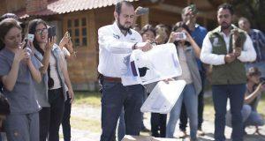 En Flor del Bosque, alumnos de BUAP liberan aves y serpientes rescatadas