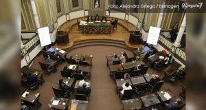 Morena, MC y PRI respaldan informe; PAN deja el pleno por ausencia de Barbosa