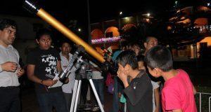 Cientos de personas disfrutan de la Noche de Estrellas en Huitzilan