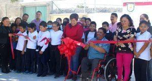 Inauguran módulos sanitarios en primaria de Tepexi