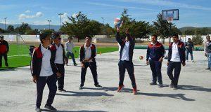 Acuden mil 180 jóvenes de Tlacotepec a la Clínica del Deporte
